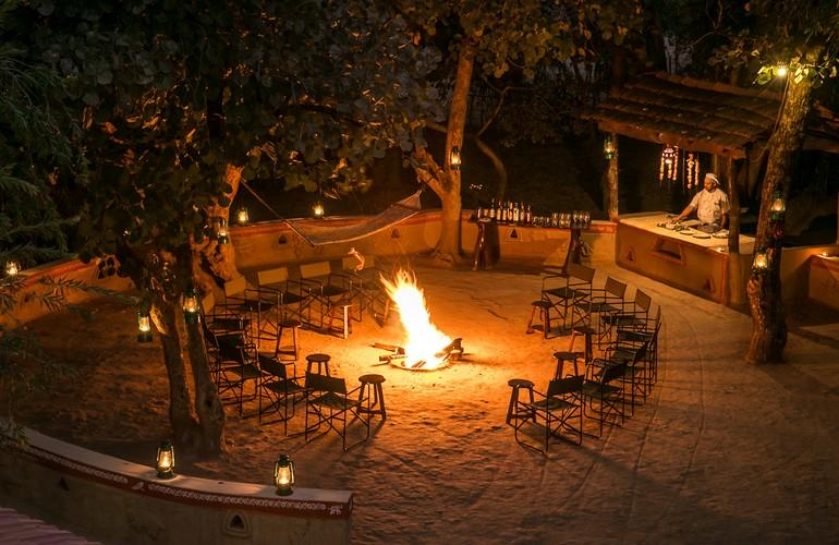 Fire Pit, Bandhavgarh Jungle Lodge