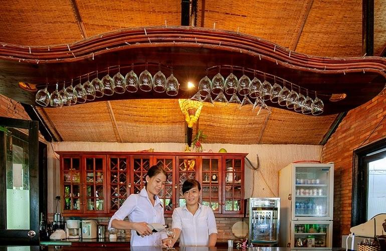 Bar, Mekong Lodge