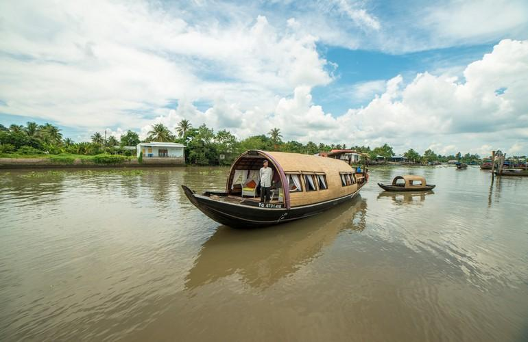 Cruising, Song Xanh Sampan