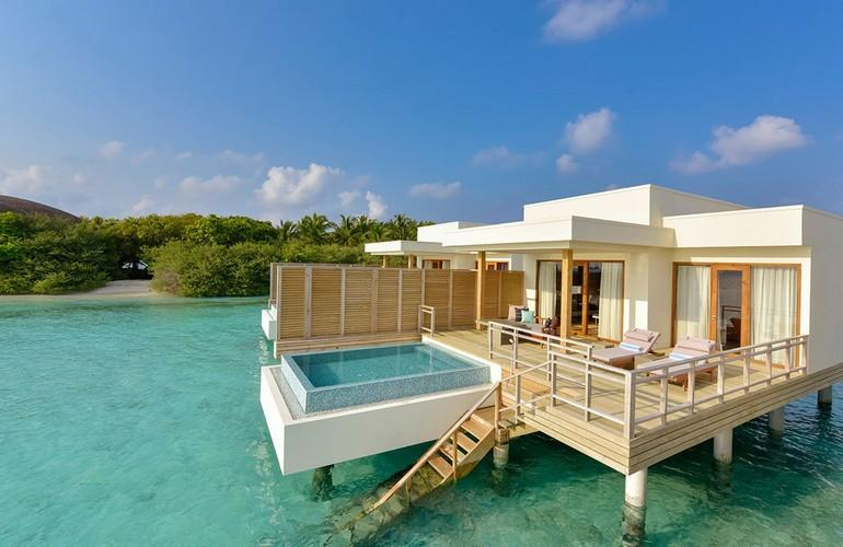 Lagoon Villa With Pool, Dhigali