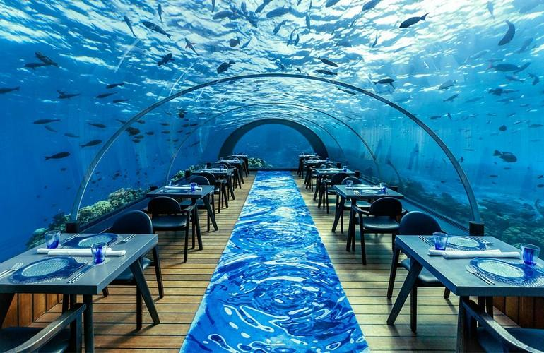 5.8 Undersea Restaurant, Komandoo Island Resort & Spa