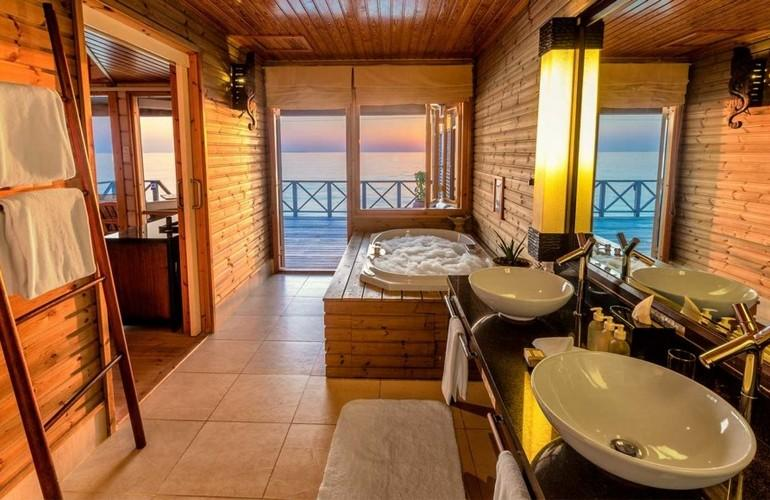 Bathroom, Water Villa, Komandoo Island Resort & Spa